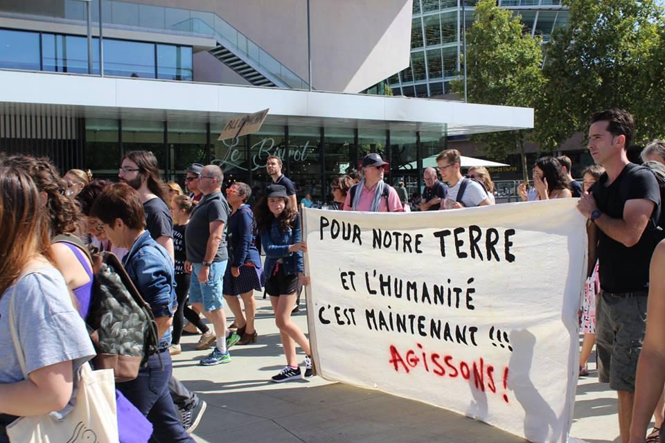 Eau & Rivières marche pour le climat et avec les coquelicots !