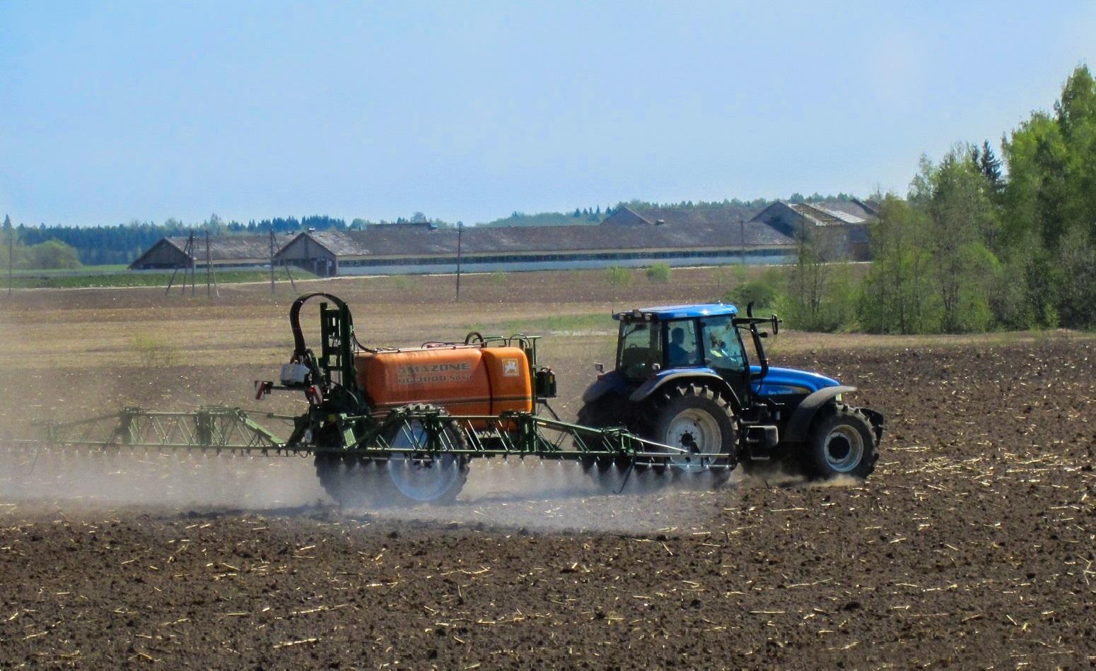 Des dérogations pour l'épandage de pesticides ? Nous déposons des recours