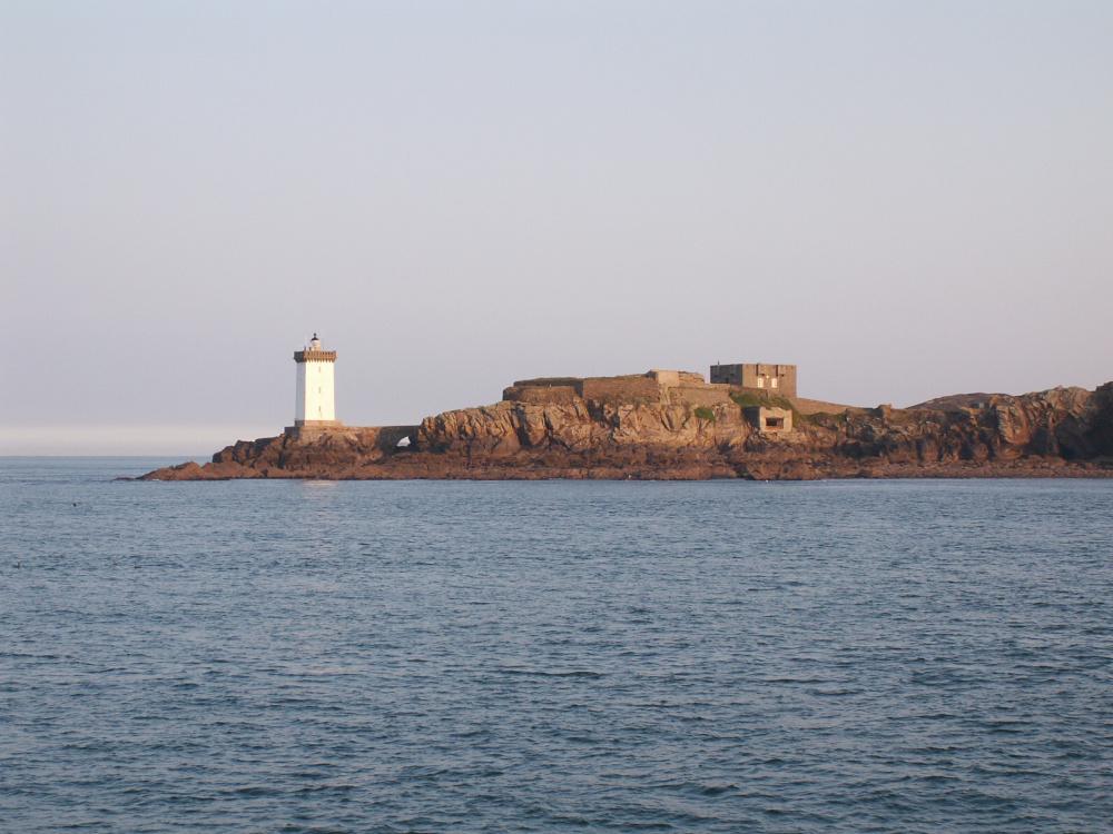 Extensions d'élevage : des vagues en Mer d'Iroise