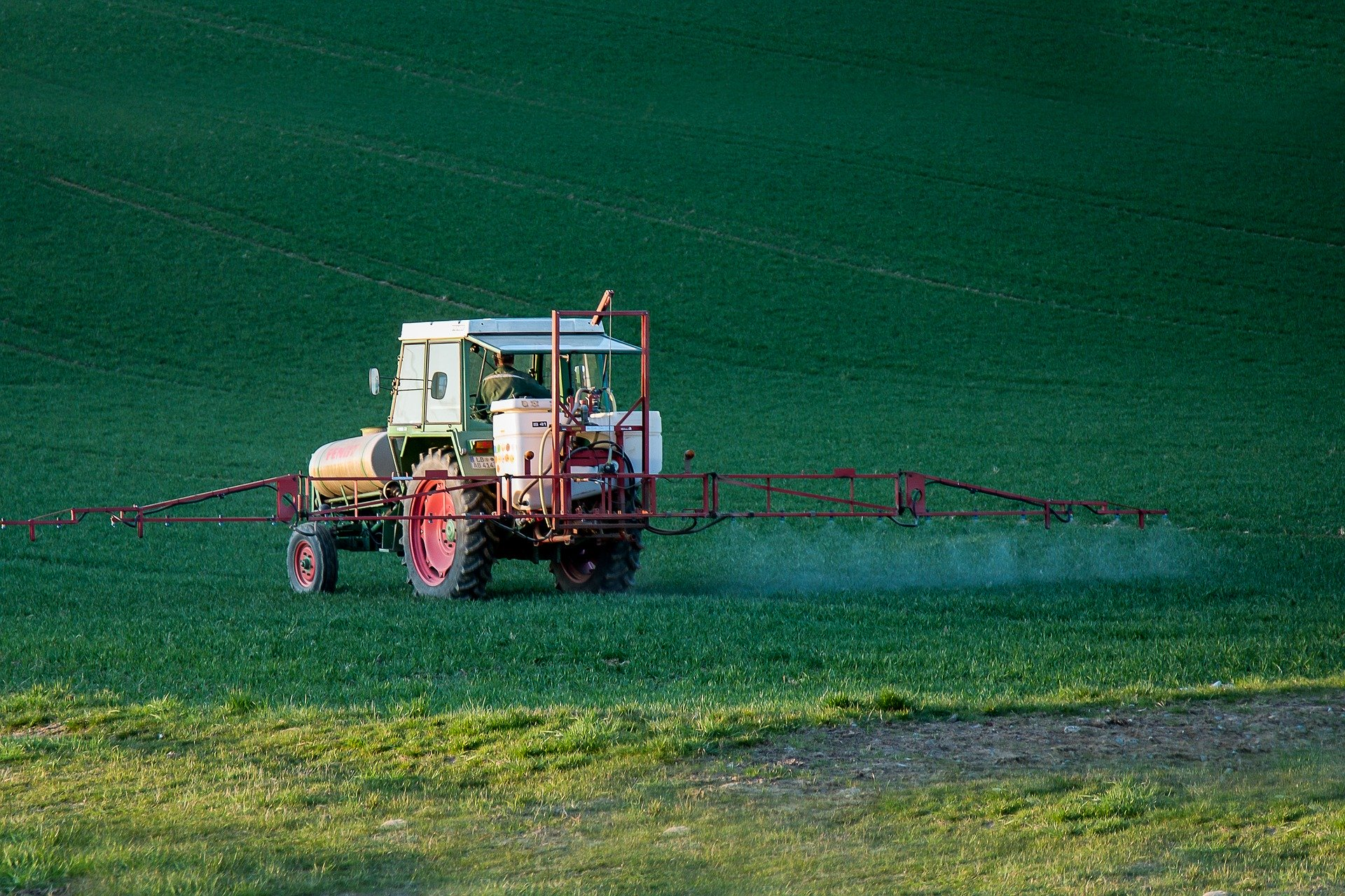 Pesticides : le rapport de la Cour des comptes épingle les plans Écophyto