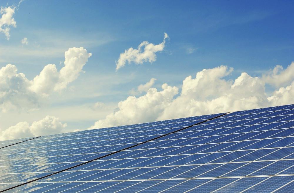 Etang ou panneaux photovoltaïques ?